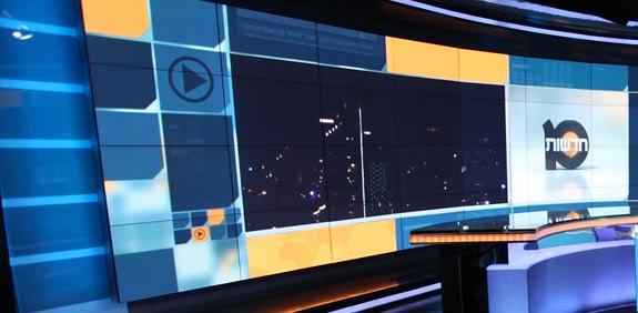 """חדשות 2 Image: קיצוצים בחברות החדשות: אודי סגל נשלח לחו""""ל לבד וצילם את"""